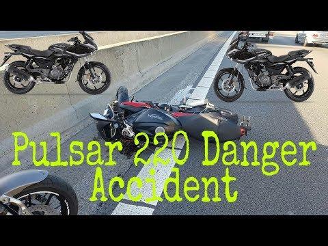 danger bike accident of bajaj pulsar 220 wrong stunt latest news