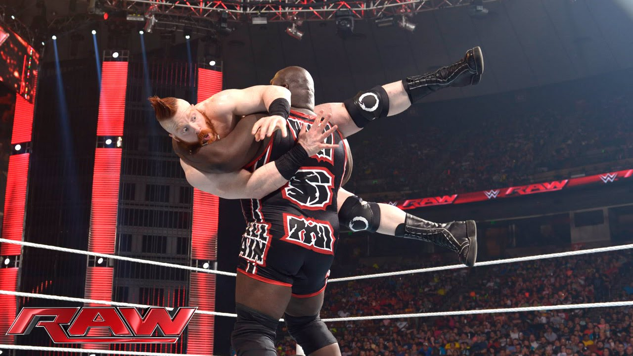 Mark Henry vs. Rusev: Raw, Aug. 10, 2015 - YouTube