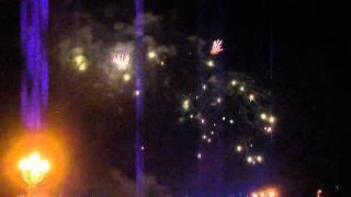 Парад фейерверков 9 мая в Волгограде. 2013. Волгоград(1. фейерверк волгоградский., 2013-05-09T21:49:32.000Z)