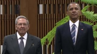 President Obama welcomed by Cuban leader Raul Castro