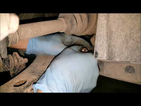 Removal And Installation Of 2009 Chevy Cobalt Lower Control Arm