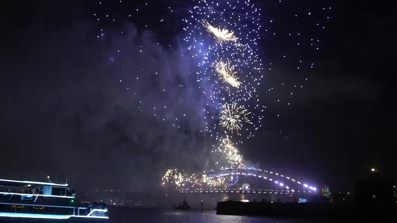 Самый красивый салют в мире - Сидней, Новый Год 2018 - YouTube