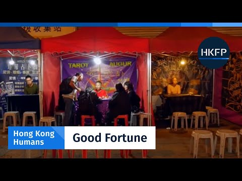 Hong Kong Humans – Young Hongkongers seek answers from Temple Street's fortune-tellers