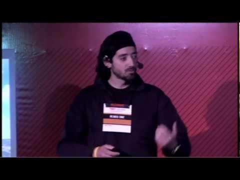 Portugal e um imenso oceano: Ricardo Diniz at TEDxLaçador