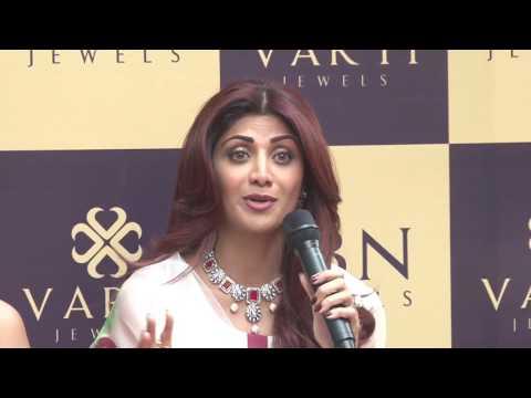 Shilpa Shetty Kundra Inaugurates VARTI JEWELS Showroom