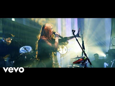 Vera Blue - Mended (Live At Paddington Town Hall)
