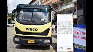 Entrega de vehículo compactador para recolección de residuos sólidos en Granada - Enero 11 de 2018
