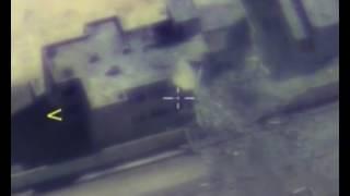 بالفيديو... صاروخ روسي يدمر مقرا قياديا لـ