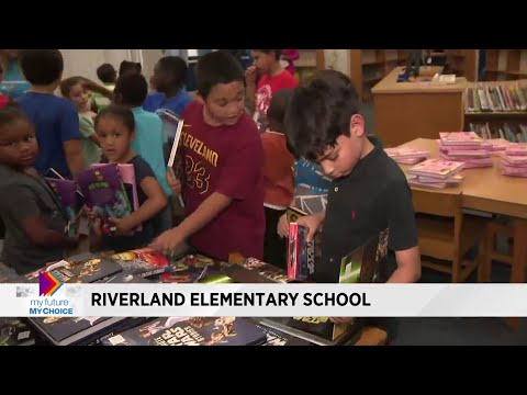 My Future My Choice distributes books at Riverland Elementary School in Fort Lauderdale