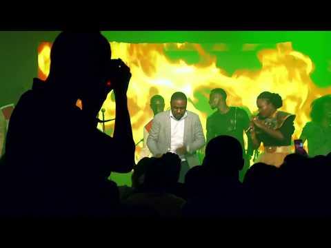 Dena Mwana feat. Mike Kalambay & Deborah Lukalu - II Fera (live)