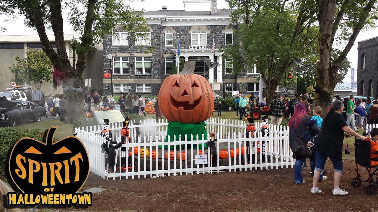 Halloweentown in Oregon , St. Helens Month Long Event