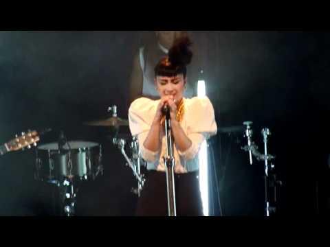 Natalia Kills - Zombie (Live) Hamburg/Germany