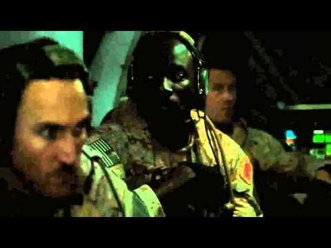 Zero Dark Thirty (2012) - Flight to compound