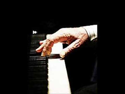 Brendel plays Liszt´s Hungarian Rhapsody no. 2