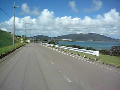 青い海を見ながらドライブできる道