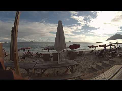 30 Seconds of Sunset Bliss at Karakter Beach Bar, St. Maarten