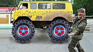 Поставили гигантские колеса на буханку чтобы отправиться на бездорожье