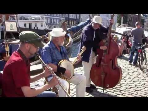 Højbro Plads Jazz Trio i Nyhavn 1/2