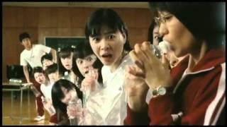 2004年9月11日公開。監督は矢口史靖。東北の片田舎の落ちこぼれ女子高校...
