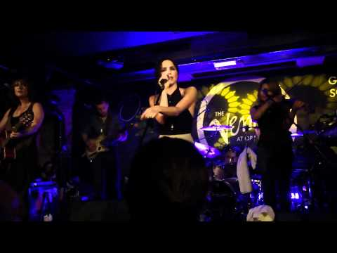 Andrea Corr - Pale Blue Eyes (Live in Glasgow - 30.05.2011)