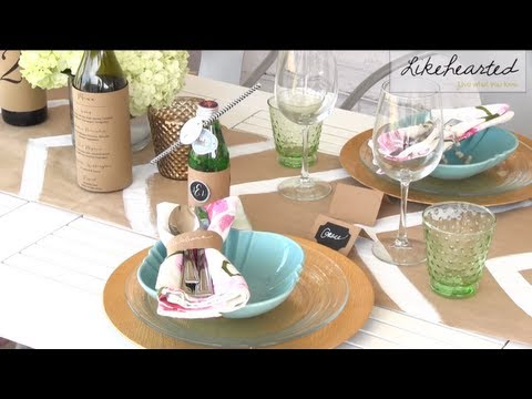 Summer Wedding DIY: Kraft Paper For Reception Decor