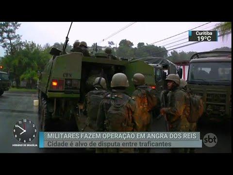 No Rio, equipe da intervenção volta a fazer operações em comunidades   SBT Brasil (22/03/18)