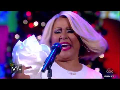 Mix - Darlene Love & Bryan Adams Perform 'Christmas (Baby Please Come Home)'