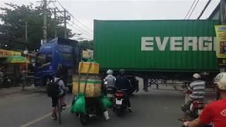 Kỹ thuật lái xe container vô kho hẹp