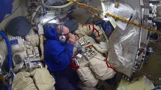 Подготовка к выходу в космос - Подшивка скафандра