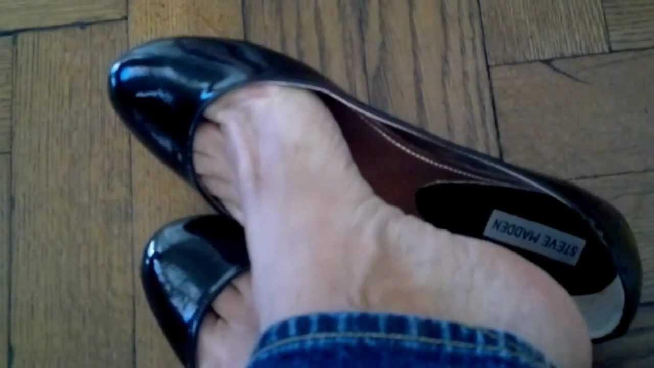 Candid high heel shoe dangle breathtaking - 2 9