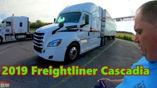 Look at the 2019 Freightliner Cascadia from the outside Trucker Rudi 09-16-18 Vlog#1534