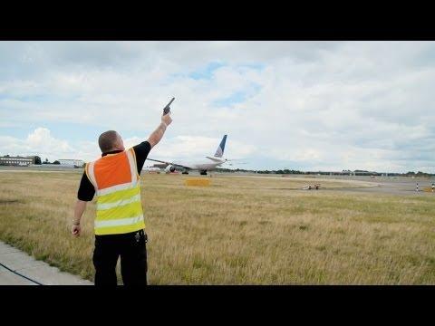 Britain's Busiest Airport: Heathrow (Episode 2)
