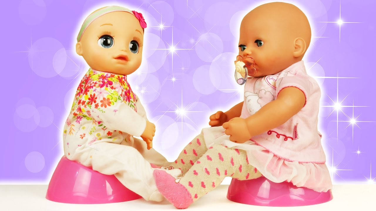 Baby Born doll & Baby Alive doll. Potty training & doll changing. Feeding baby dolls.