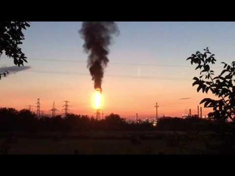 Tűzoszlop Tiszaújvárosban letöltés