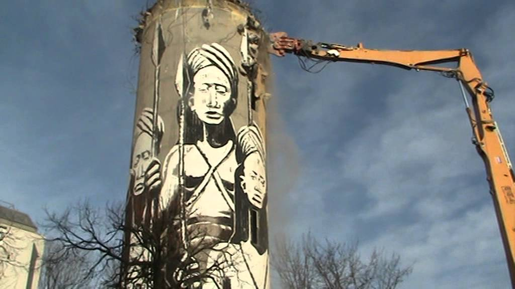 la destruction du château d'eau de Chanteloup à AulnaysousBois