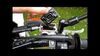 TUTO changer liquide de frein moto (how to change brake fluid)
