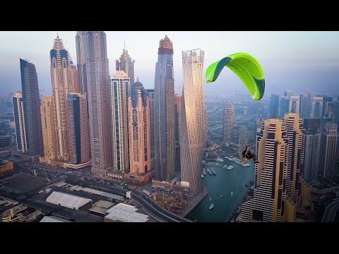 Epic paramotoring flight over Dubai marina in 4K - Filmed on DJI Mavic