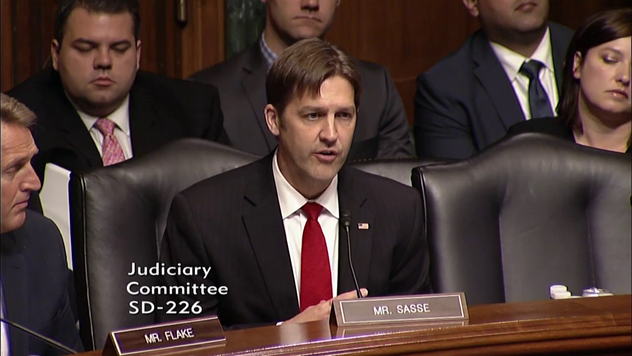 Sasse And Fbi Director Comey Discuss Russia Wikileaks And Intelligence Porn