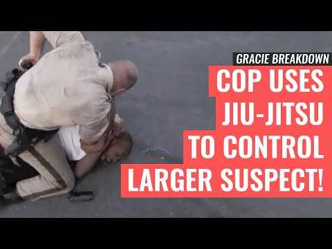 Thumbnail: Las Vegas POLICE Officer Uses JIU-JITSU to Control Larger Suspect (Gracie Breakdown)