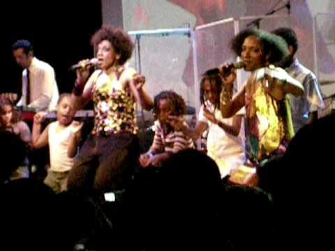 Les Nubians Makeda live divan du monde paris