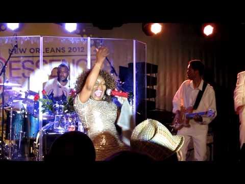 Stephanie Mills performs Secret Lady/Feel The Fire @ Essence Fest 2012