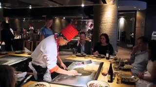 Видео   Впечатляющий и смешной повар   Видеоролики на Sibnet
