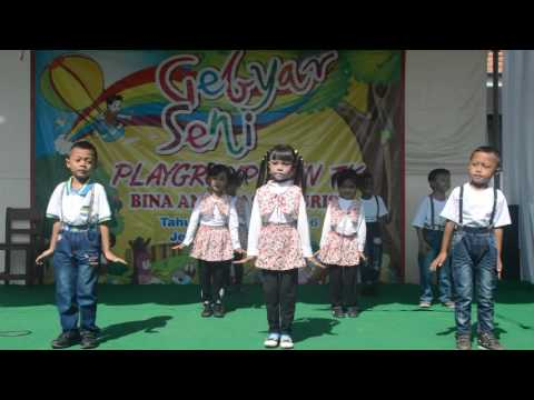 Anak play group TK nuris jember goyang pinguin