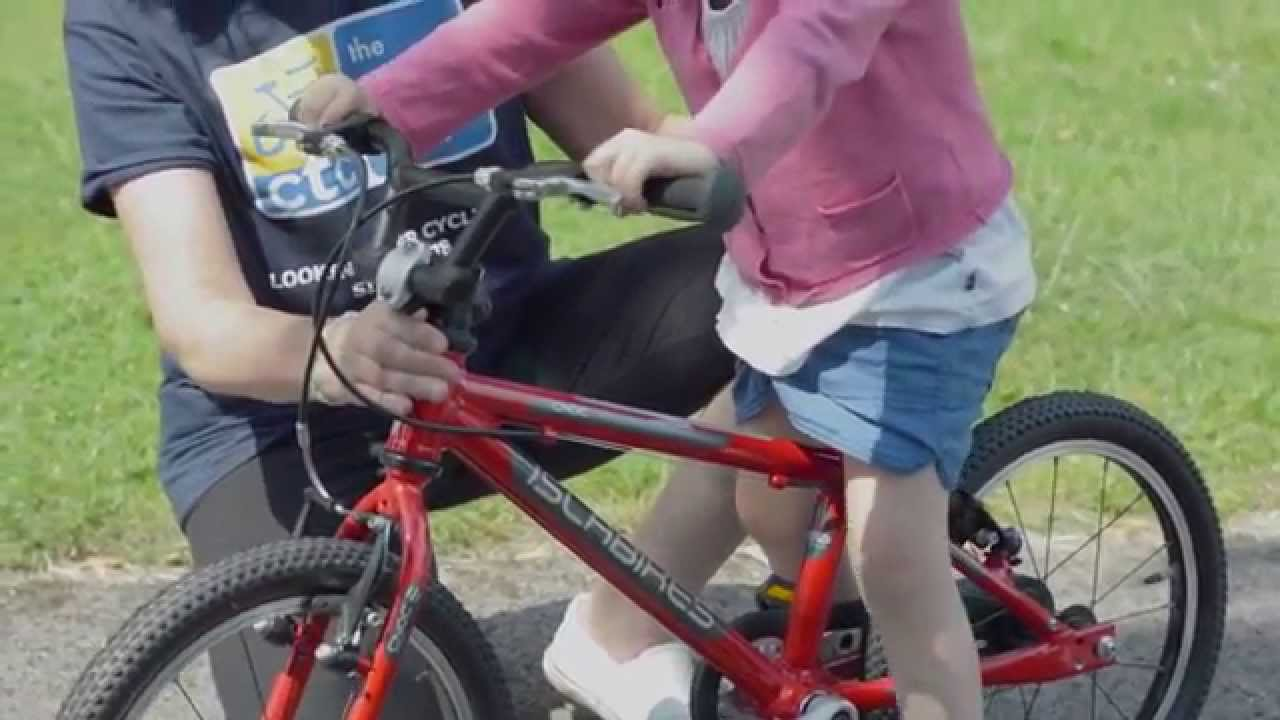 a29602f93cb Teach a child to ride a bike quickly and simply. Cycling UK