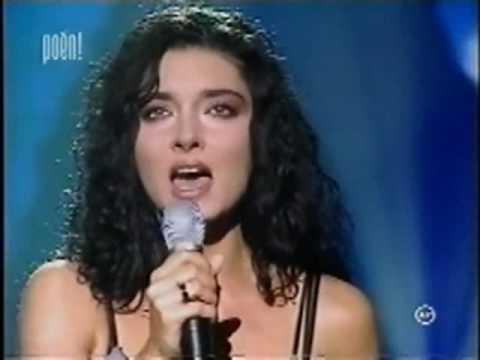 Gregor Bernadett - Mária Magdolna (2000) - YouTube