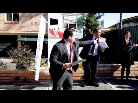 Ray White Kingsford Live Auction