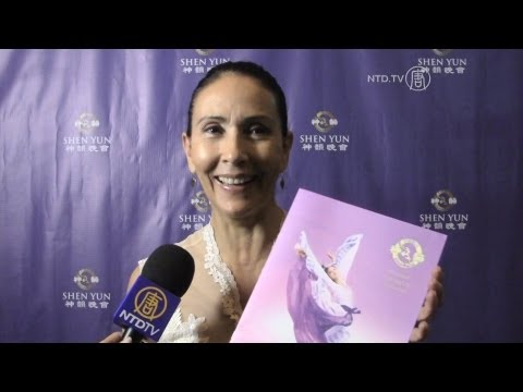 """""""Highly recommended"""" - Famous Mexican actress Blanca Guerra Watches Shen Yun"""