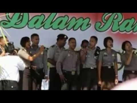 POLISI POLRES SUMBA BARAT NGE'RAP DI ACARA 1 JULI 2013