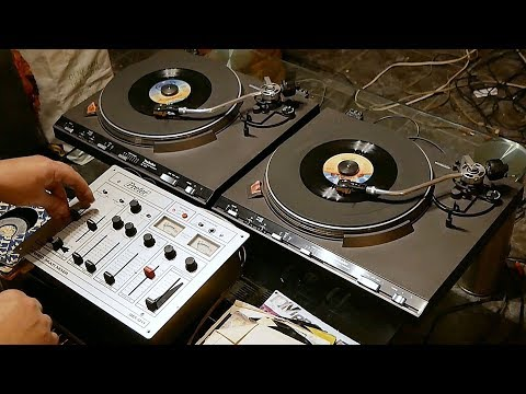 The Best Analog DJ In The World - 2x Technics SL-3310 - Back To The 70's Disco Party
