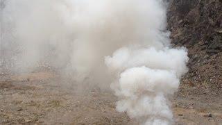 How To MAKE the BEST SMOKE BOMB ~ very EASY (Legendary smoke mix)